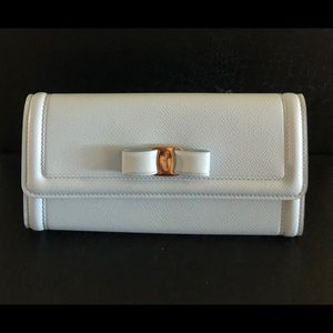 Salvatore Ferragamo Vera bow continental wallet